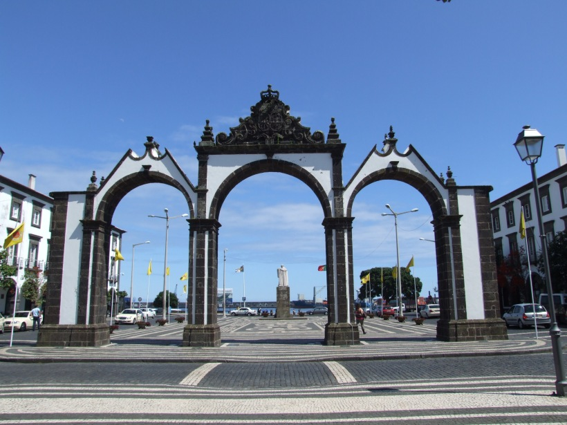 ponta_delgada_-_city_gate